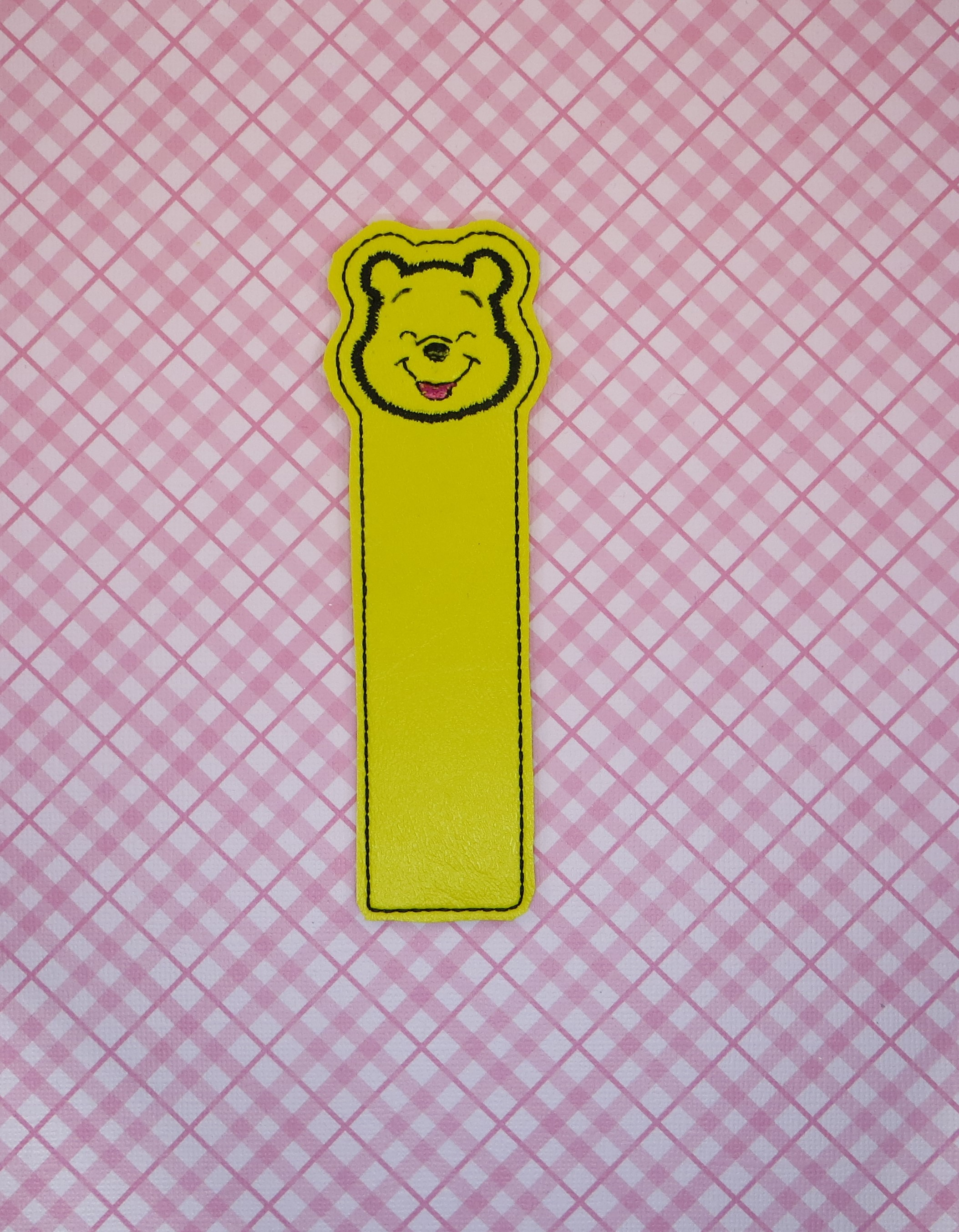 Smiling Honey Bear Bookmark Embroidery Design