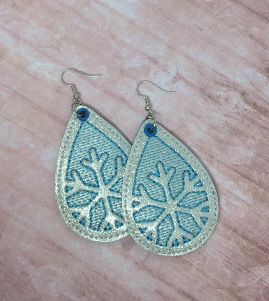 Sketchy Snowflake Earrings Embroidery Design (2 sizes)