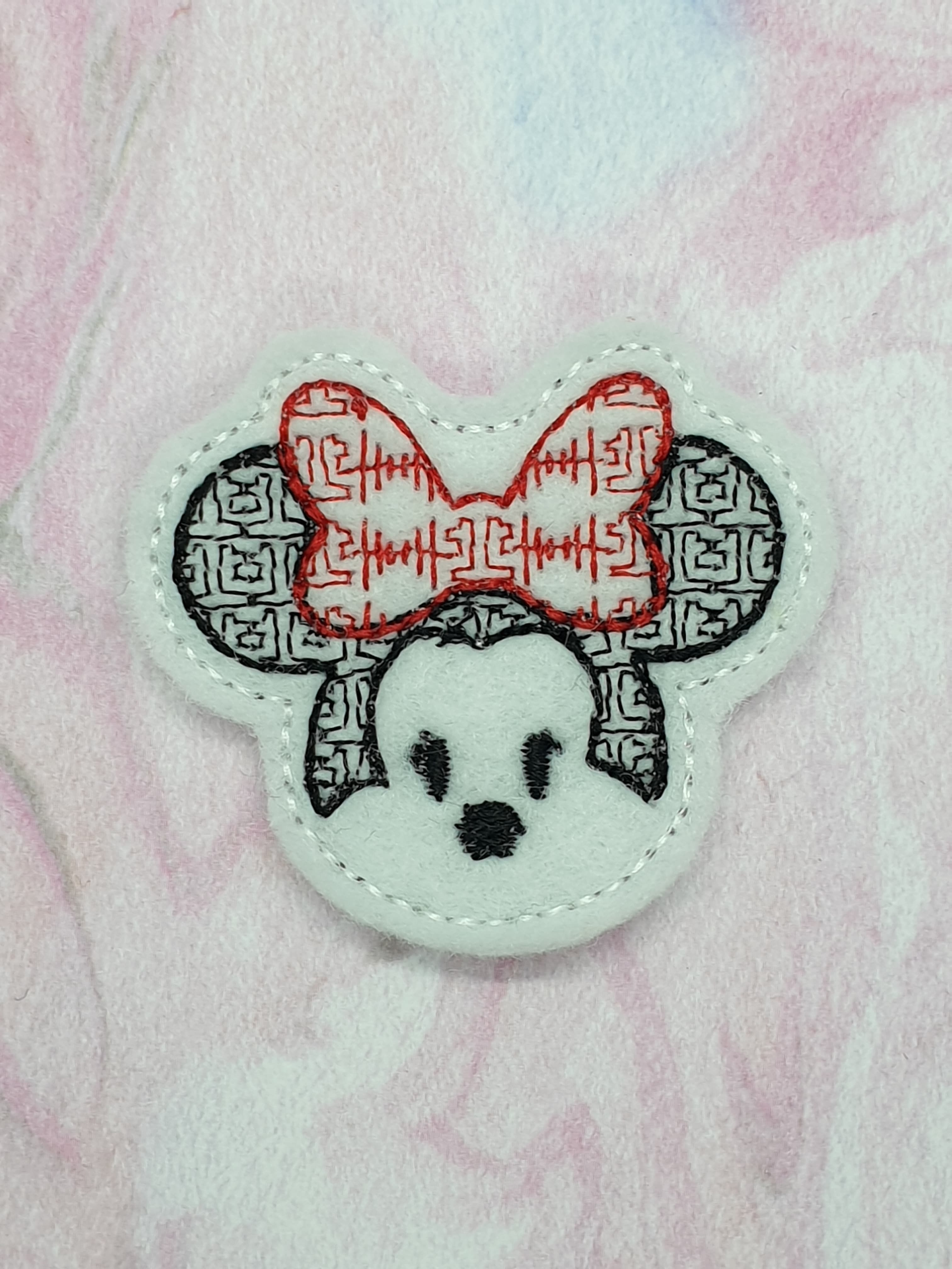 Mrs Mouse Motif Feltie Embroidery Design