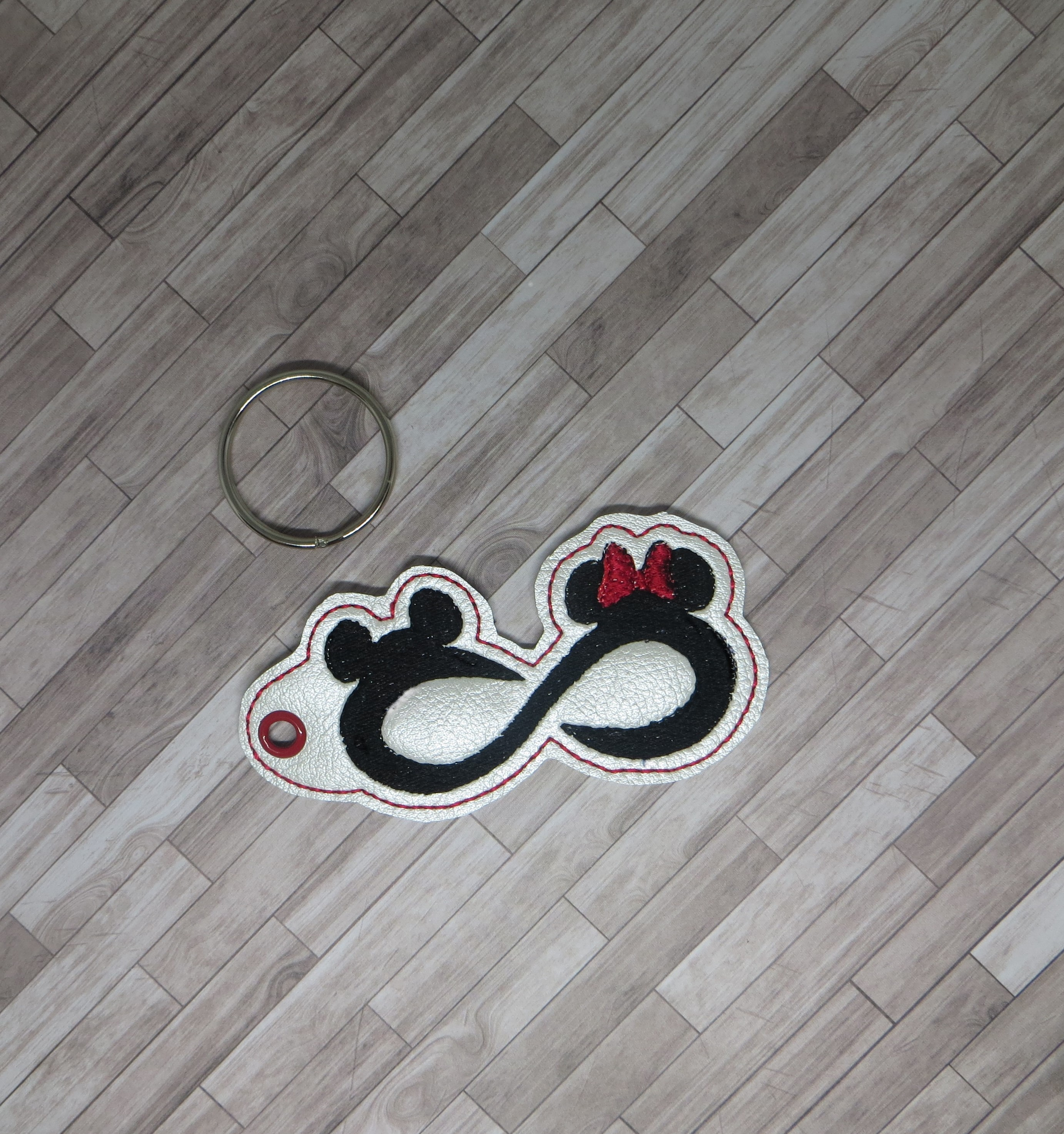 Mouse Infinity Snaptab Keyfob Embroidery Design
