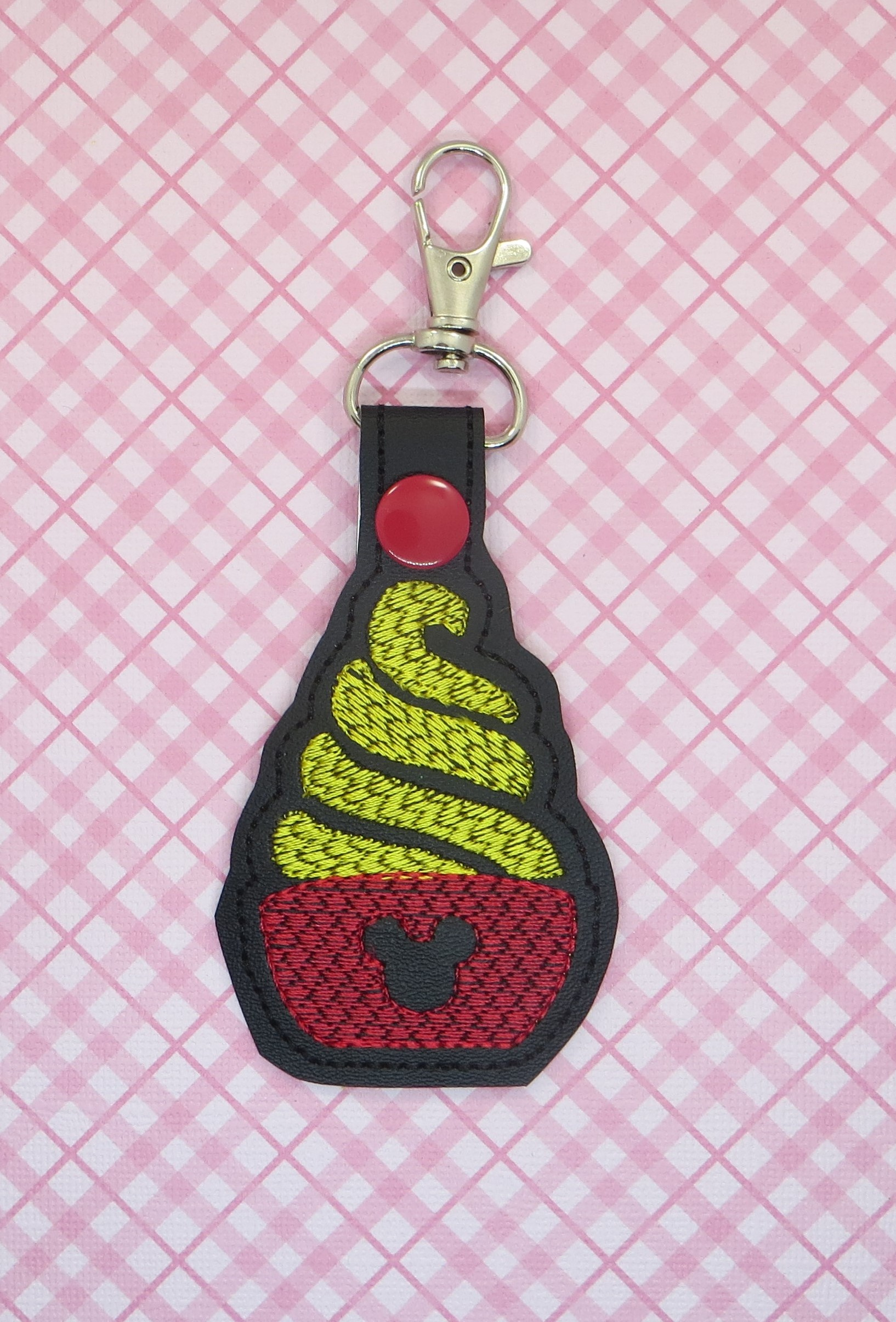 Mouse Whipped Dessert Snaptab Keyfob Embroidery Design (SKETCHY)