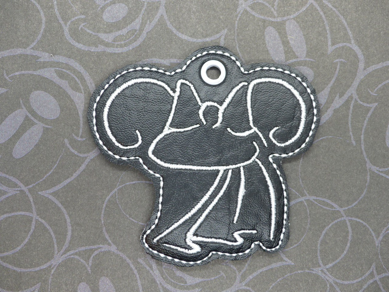 Mrs Mouse Bride Snaptab / Keyfob Embroidery Design