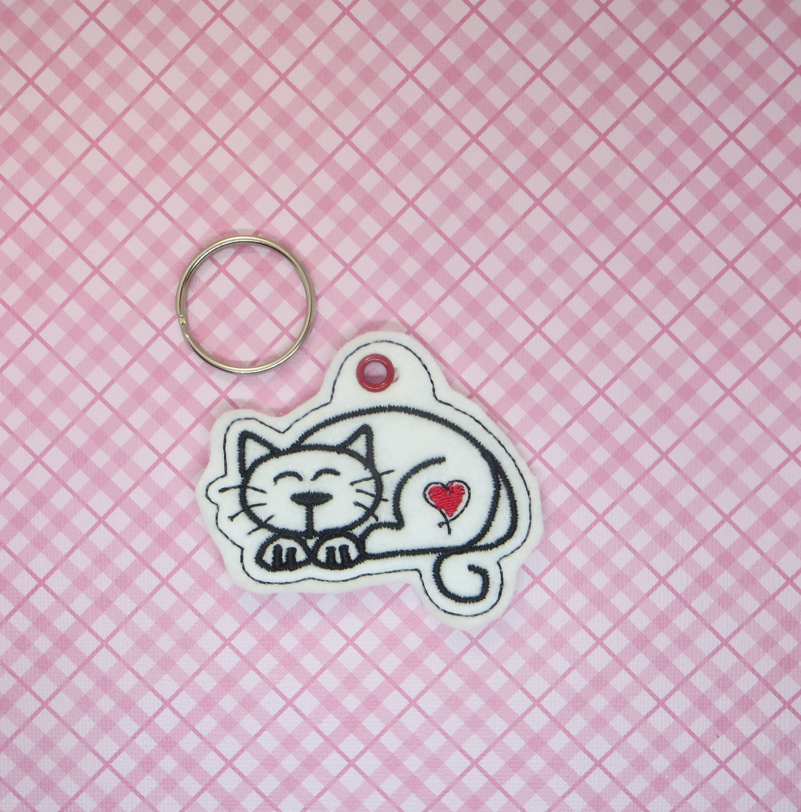 Cat Love Snaptab / Keyfob Embroidery Design