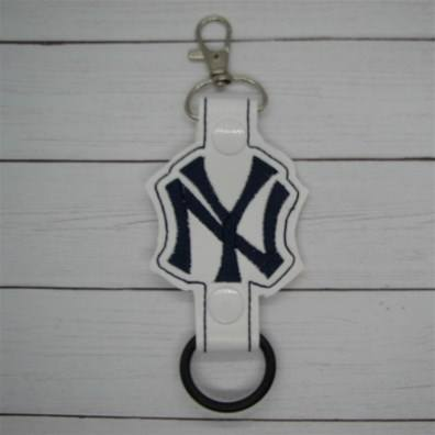 NY Yankees Logo Water Bottle Holder Embroidery Design