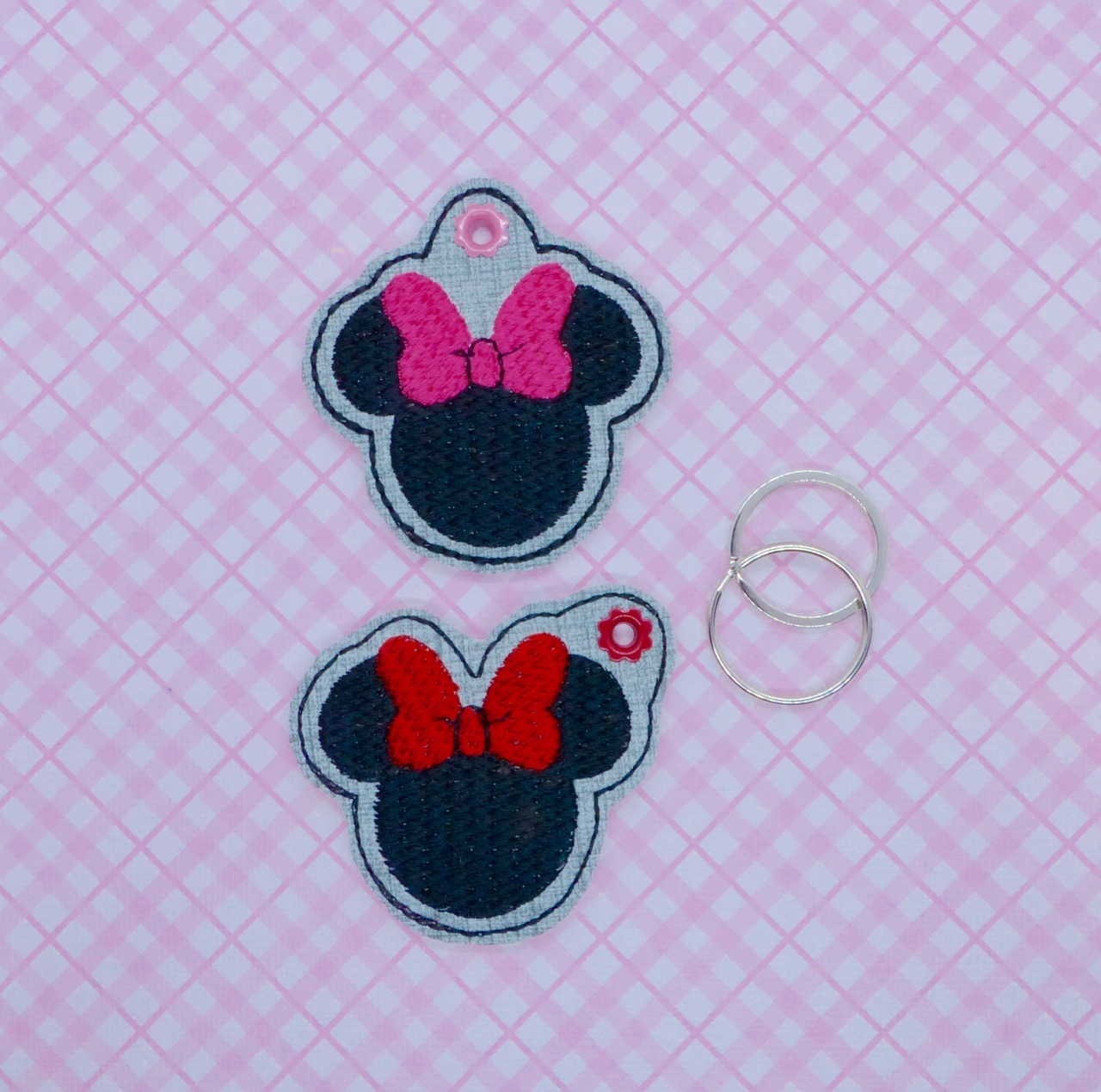 Mrs Mouse Zipper Pulls Embroidery Design