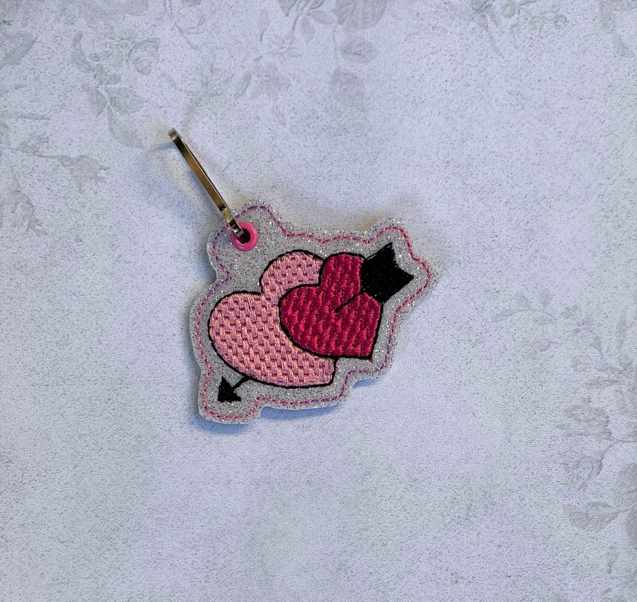 Double Hearts Zipper Pull Embroidery Design