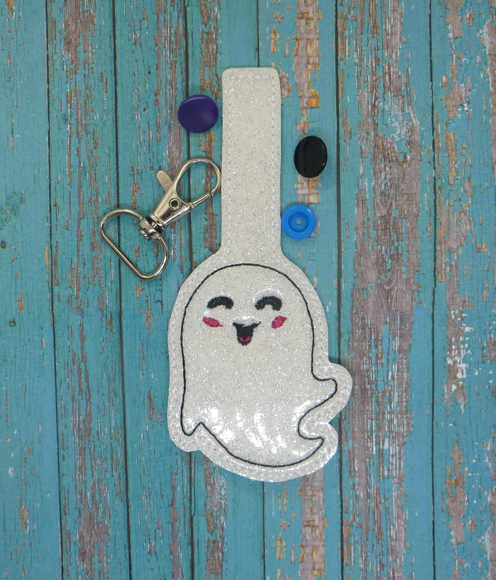 Smiling Ghost Snaptab Embroidery Designs