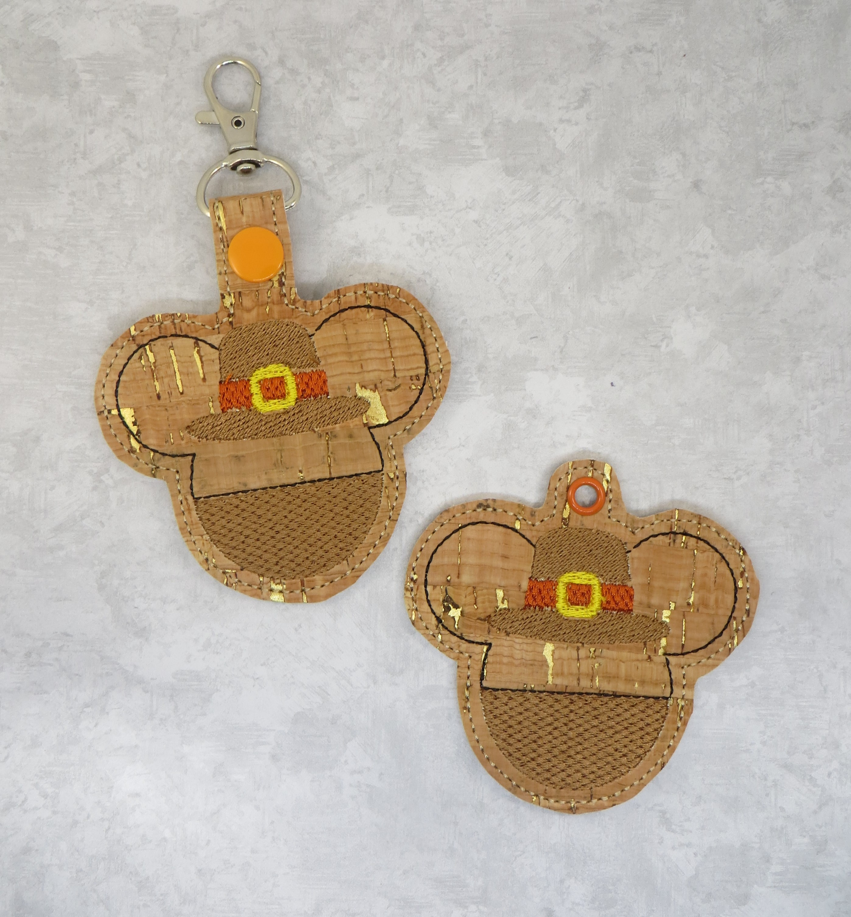 Mr Mouse Pilgrim Snaptab / Keyfob Embroidery Design