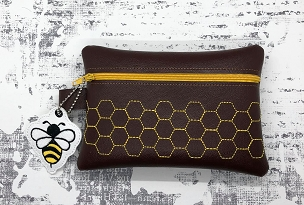 Bee Hive w/Bee Charm Zipper Bag Set Embroidery Design (5x7)