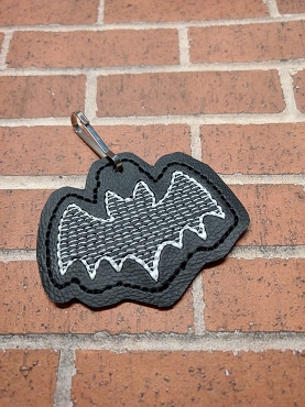 Flying Bat 2 Zipper Pull Embroidery Design
