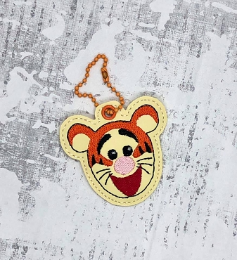 Bouncy Tiger Face Zipper Pull Embroidery Design