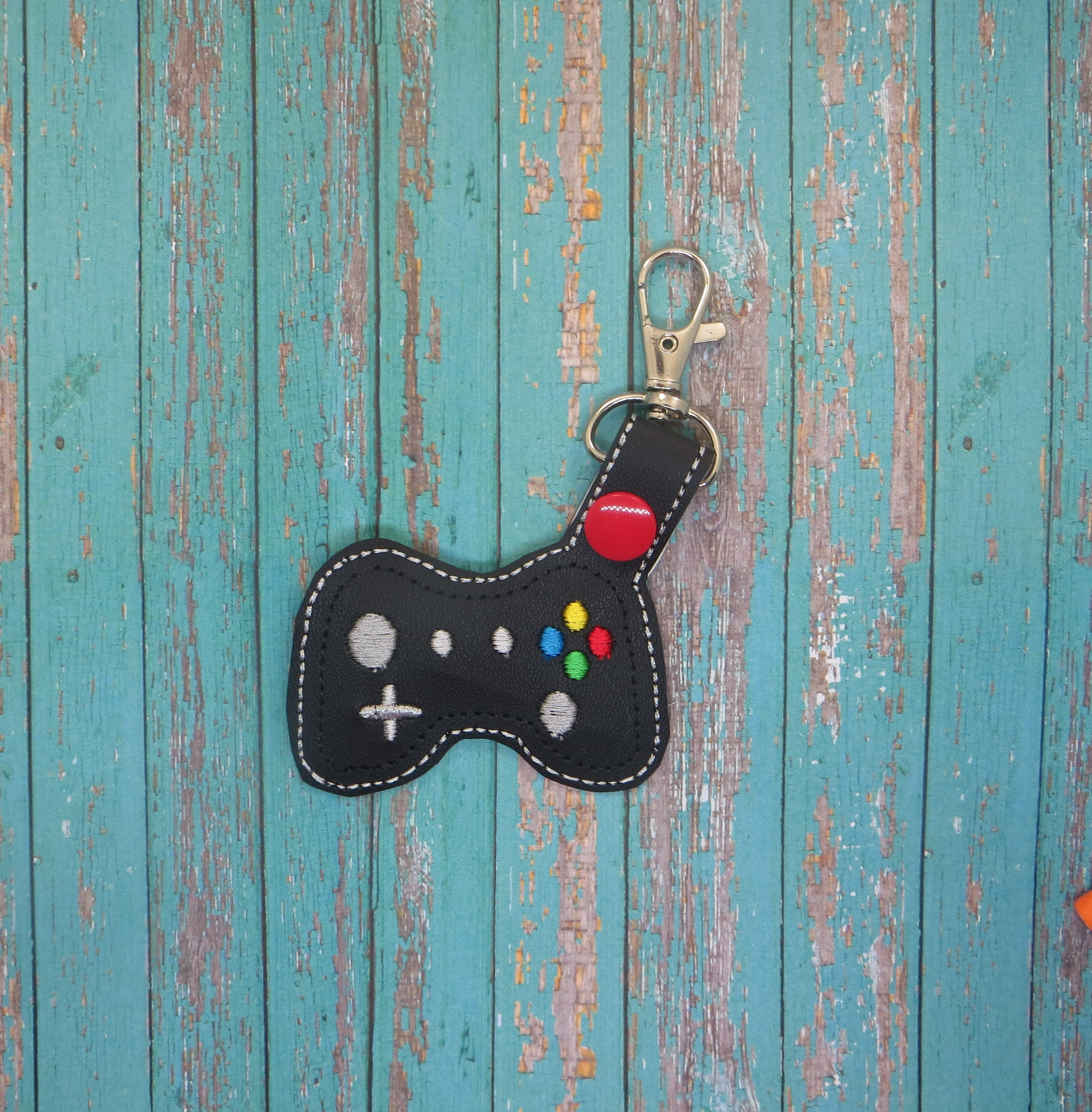 Video Game Controller Snaptab / Keyfob Embroidery Design
