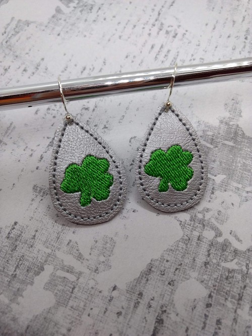 Shamrock Earrings Embroidery Design (1.5 inches)